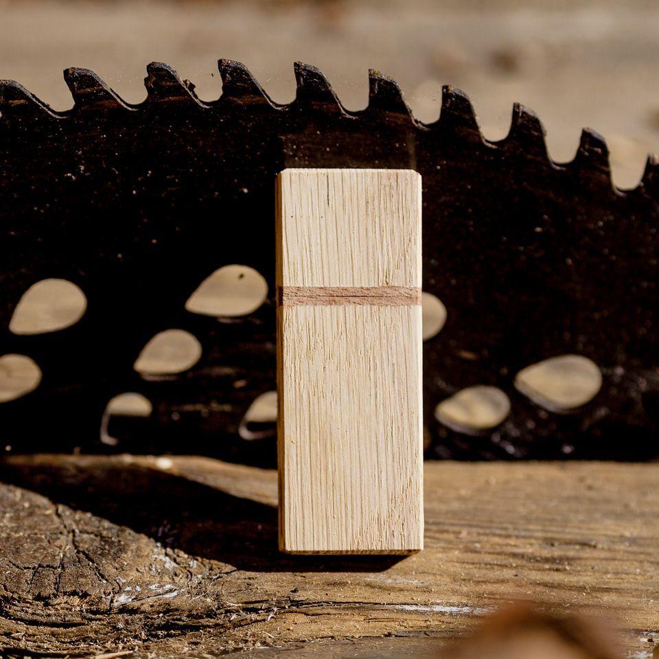 drewniany pendrive z grawerem